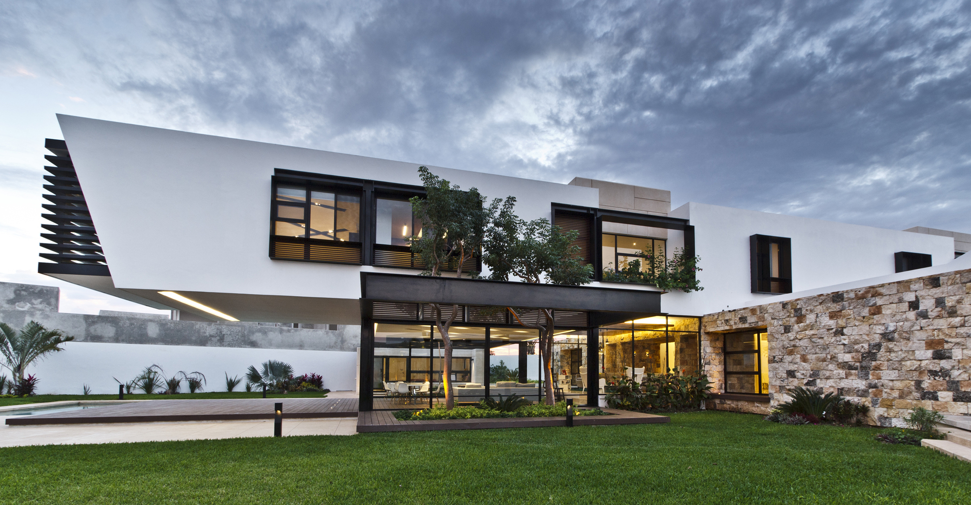 Contemporary-Comfort-At-The-Temozón-House-in-Yucatan-Mexico-1