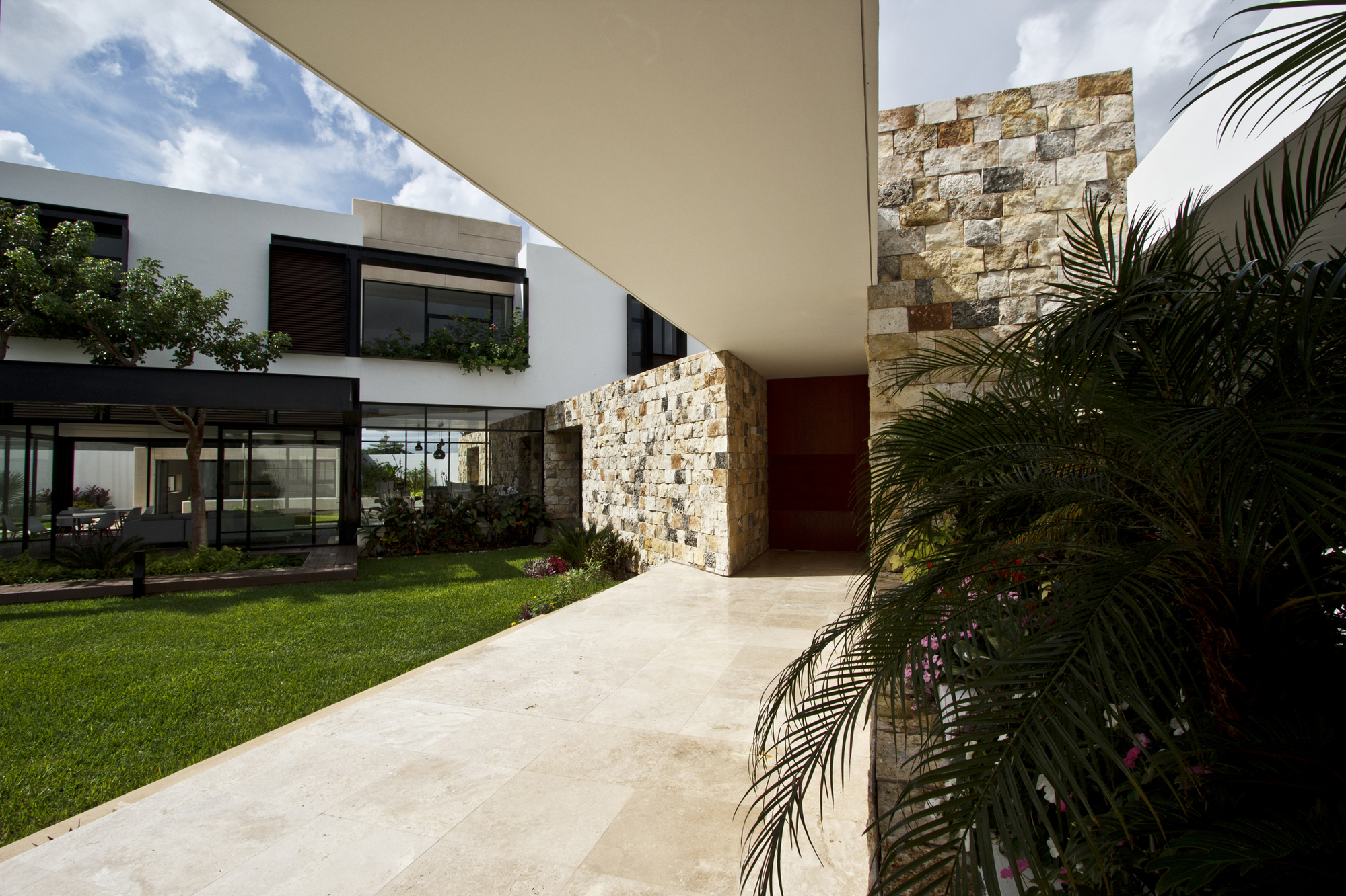 Contemporary-Comfort-At-The-Temozón-House-in-Yucatan-Mexico-19