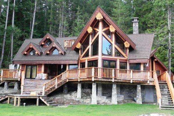 log-home-residence1-HomeMajestic.com
