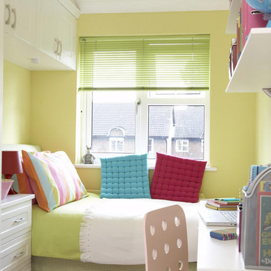 hanging-shelves-bedroom-interior-for-a-small-bedroom