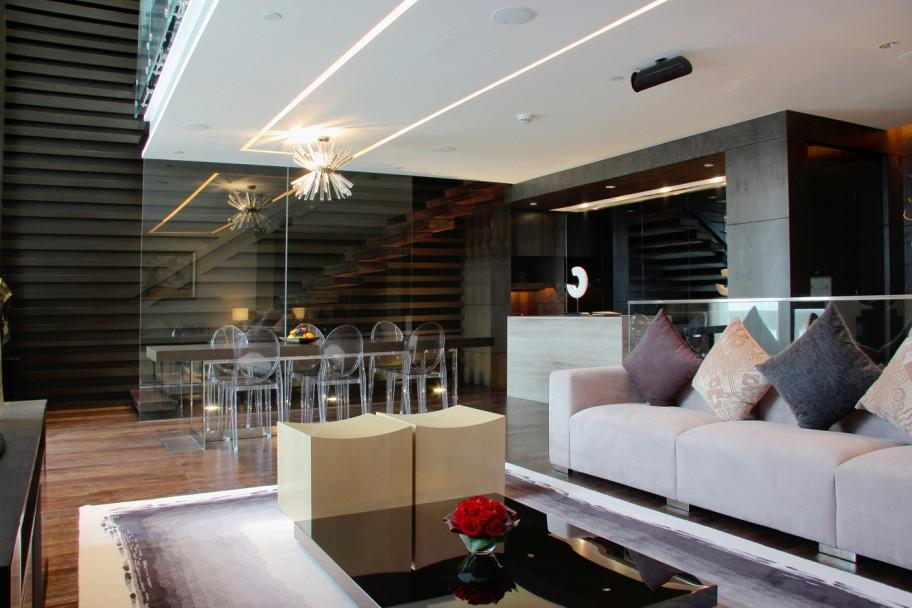 Avant_Garde_living_room_2-912x608