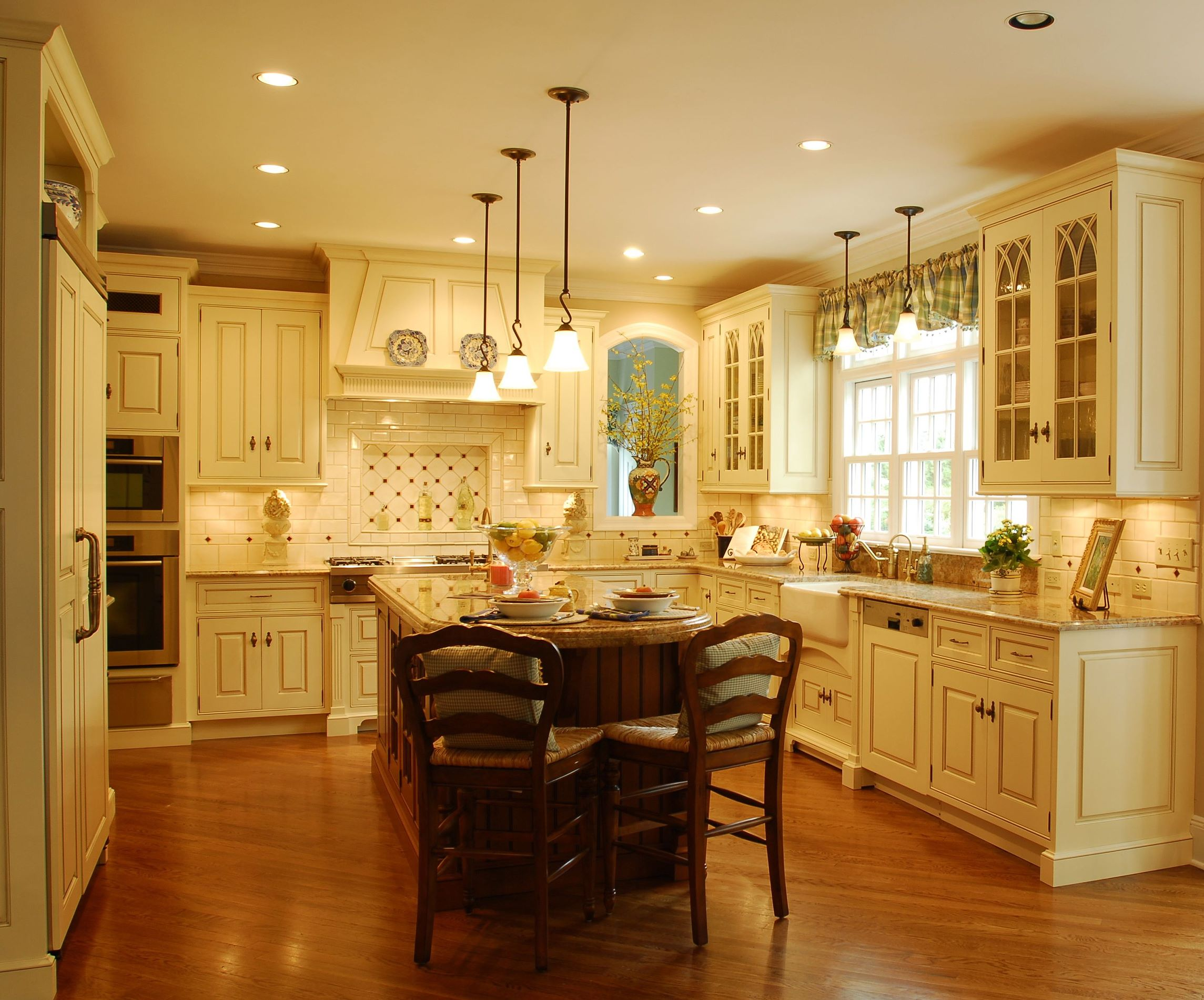 Contemporary Traditional Kitchen romanian vs american tradional kitchen - homemajestic