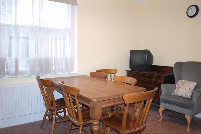 9-Dining-house-24jun15_pr_b_646x430