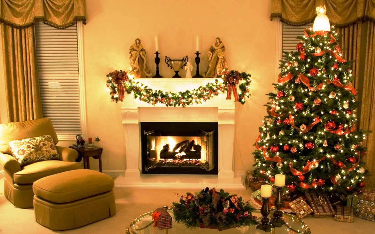 Beautiful-Christmas-Tree-Decorating2