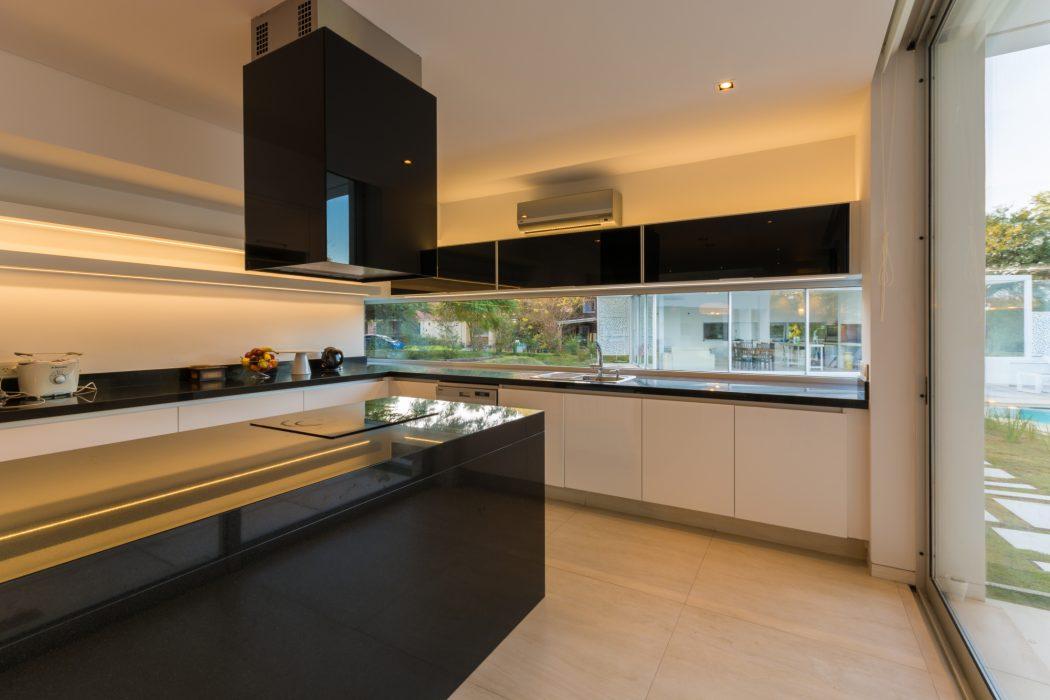 037-mooe-house-fcp-arquitectura-1050x700