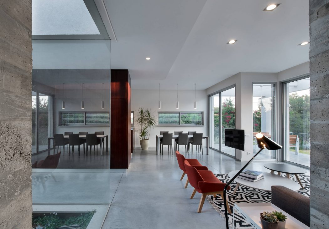 012 Grove House Eran 1050x732
