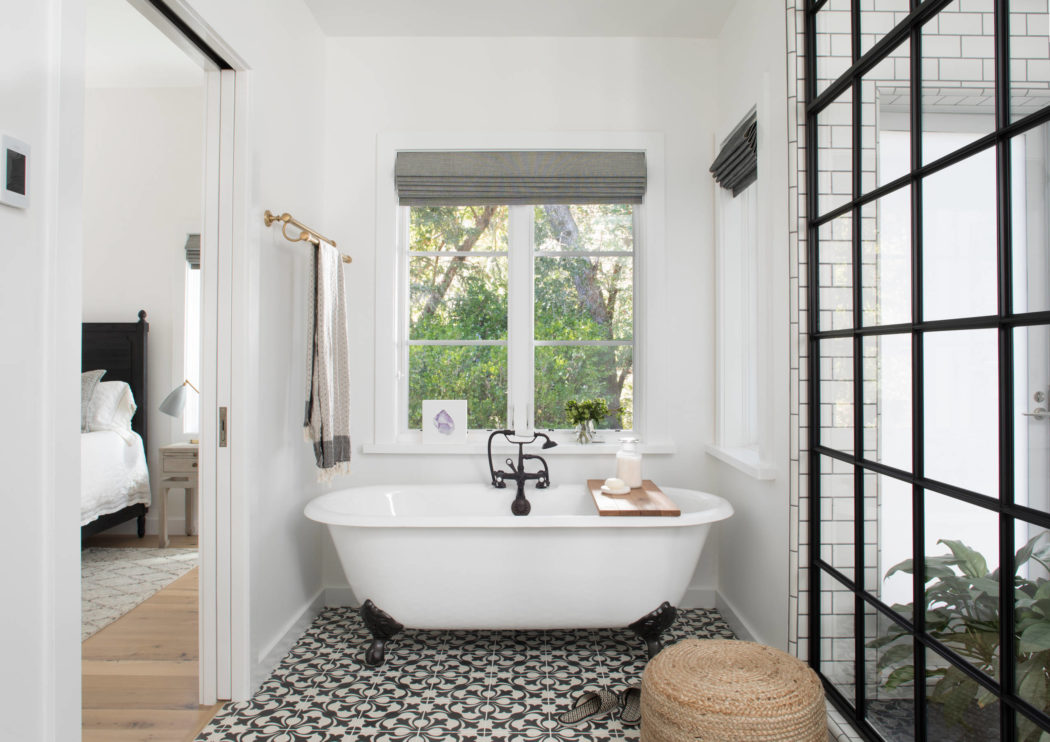 005-kenwood-residence-upscale-construction-1050x742