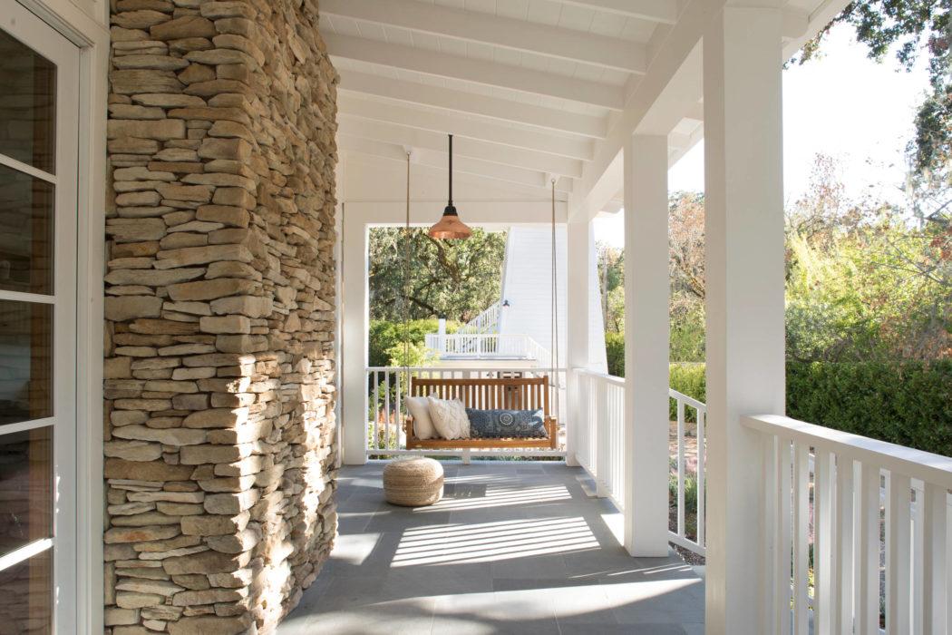 013-kenwood-residence-upscale-construction-1050x700